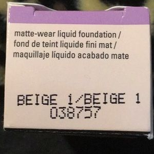 Mary Kay matte wear liquid foundation Beige 1